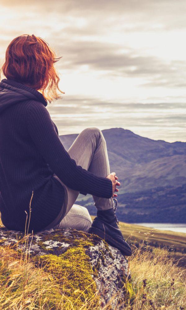 mujer en contemplacion mindfulness