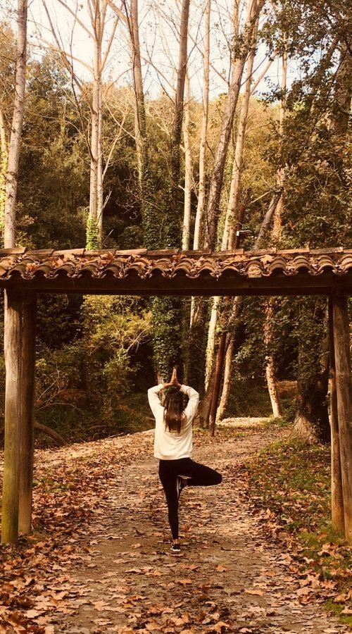 yoga en el exterior y consciencia corporal