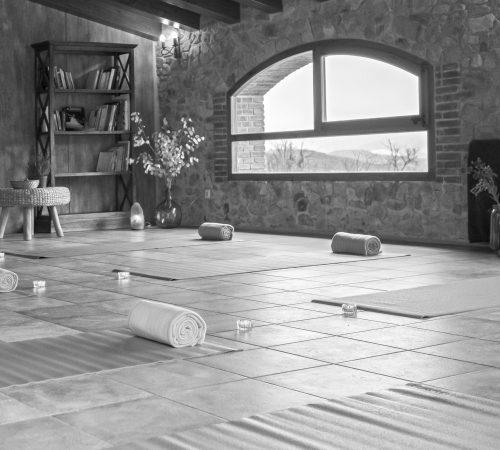 espacios para realización de yoga meditación y ejercicios de consciencia corporal